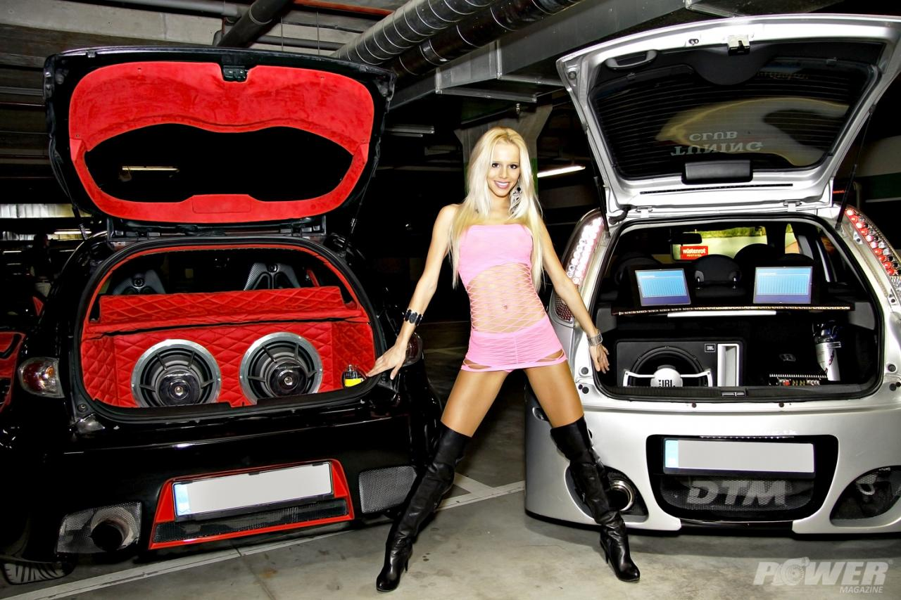 cars and girls.JPG